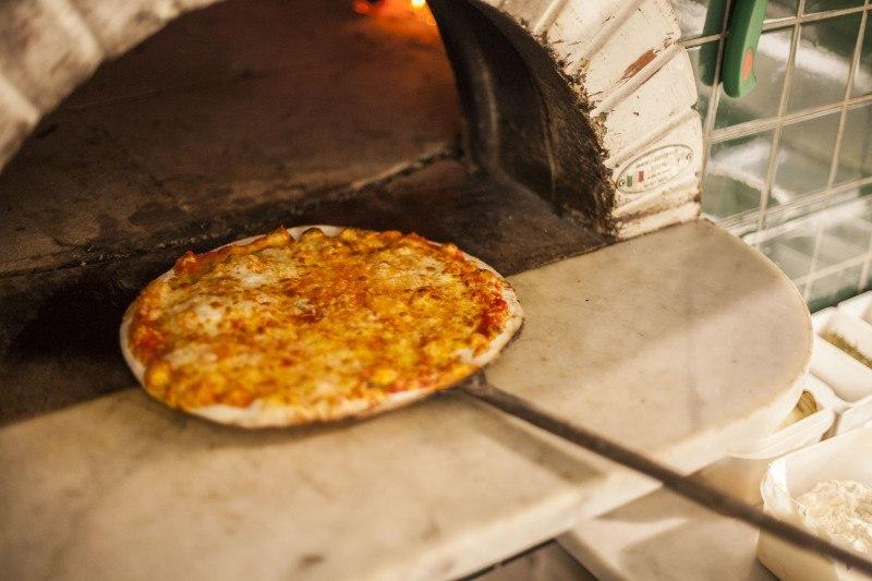 Pizza forno a legna caratteristiche